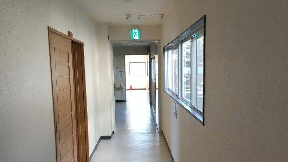 3階ローカ床張り替え・壁塗り替え